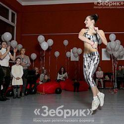 Анна Касперович — еще и акробатка!